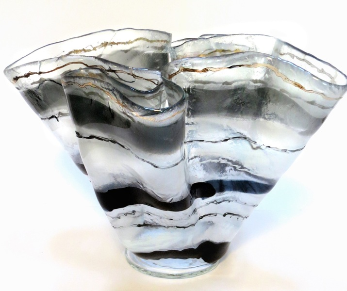 Doroni Lang Glacial Vessel (with Gold Inlay)