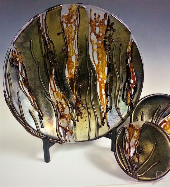 Cracked Earth Platter by Doroni Lang
