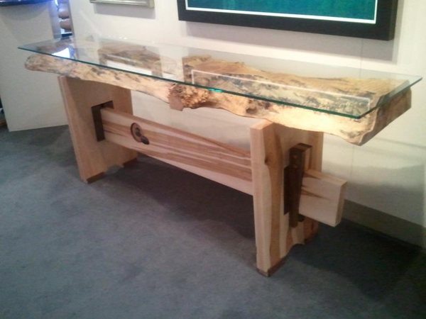 Don z Bastian Sofa Table